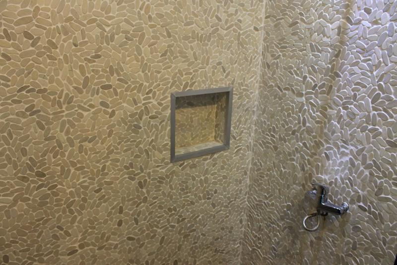 Bali Pebbles Mosaic Bathroom Wall Cladding
